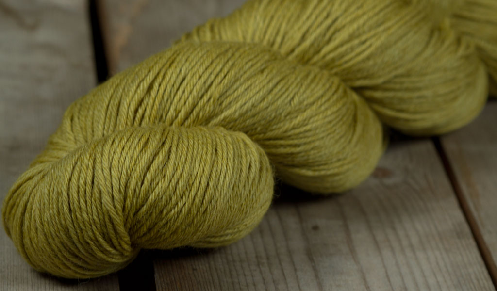 09.Rosy Green Wool - Cheeky Merino Joy 100g 55 Moos